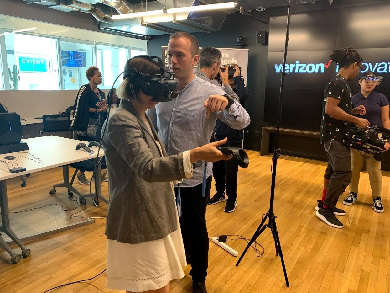 COSMOS Team Participated in Verizon EdTech Challenge Demo Day in NYC